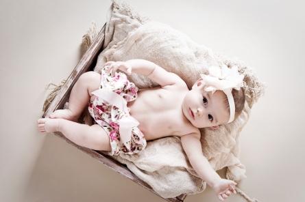 Róża - sesja niemowlęca